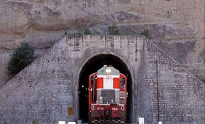 kashmir valley gets connected by rail