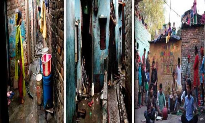 kathputli colony the slum of delhi artists watch pics