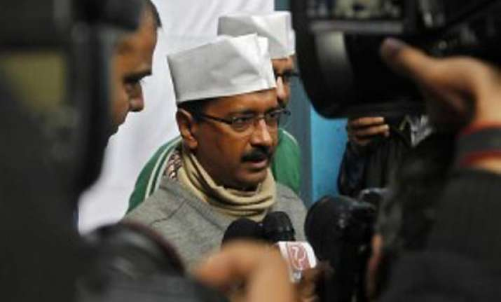 kejriwal asks tv anchor to play up sections of his interview