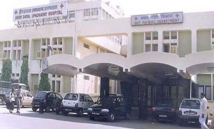 kejriwal govt gives marching orders to 16 hospital heads