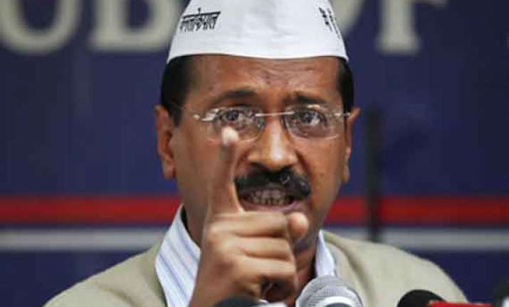kejriwal promises hike in fares other sops for auto drivers