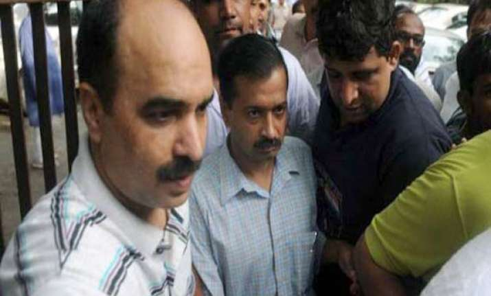 kejriwal says he s getting threats former supporters stage