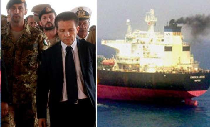 kerala police detains two italian ship guards in fishermen