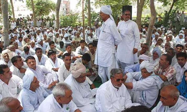 khaps warn arya samaj temples not to conduct same gotra