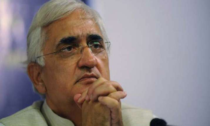 khurshid terms kejriwal as runaway groom