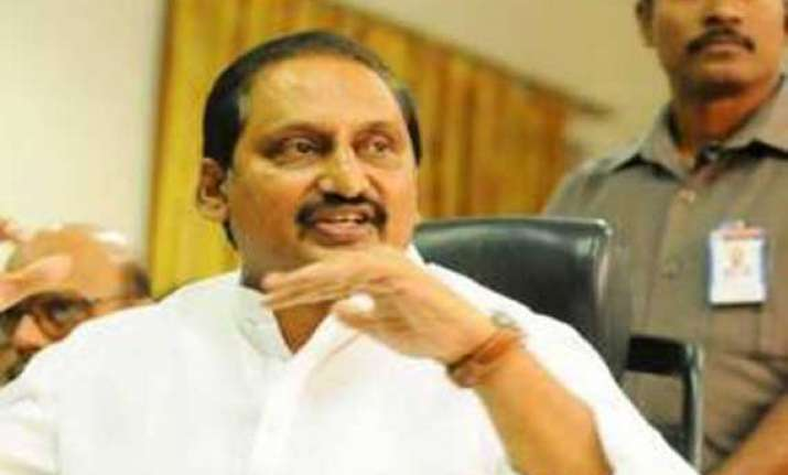 kiran reddy awaits congress move in ap holds talks on new