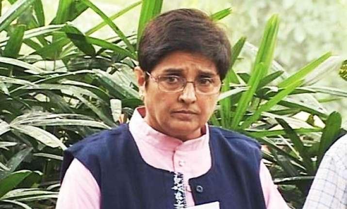 kiran bedi rules out anna s fast in delhi