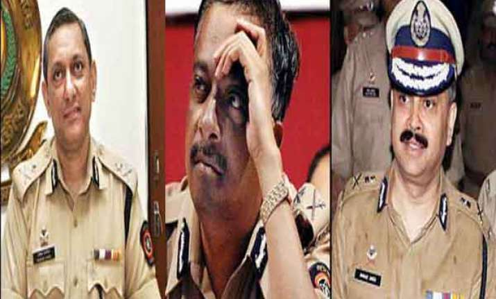 know the main contenders for the post of mumbai police chief