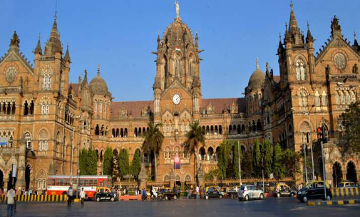 know the 10 most amazing railway stations of india