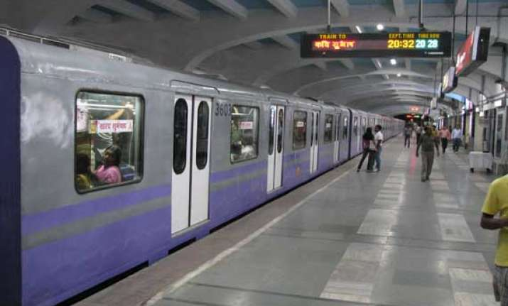 kolkata metro to extend timing of services from march 25