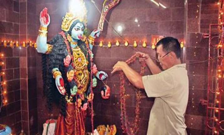 kolkata s kali temple where noodles are prasad