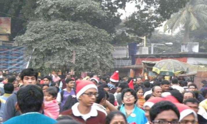kolkata revels in christmas celebrations