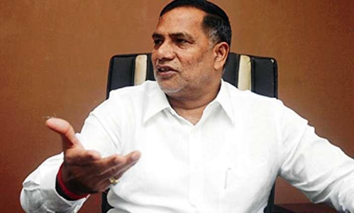 kripashankar singh resigns as mumbai congress chief