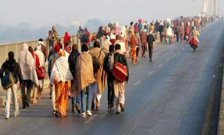 kumbh pilgrims face tough time due to nationwide strike