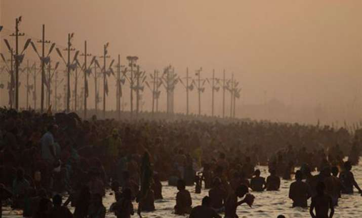 lakhs of pilgrims to take third and last major holy dip at