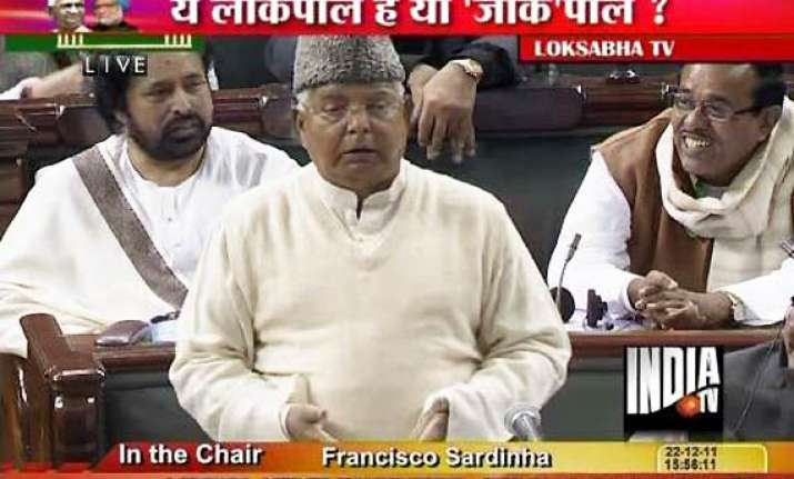 lalu lashes out at anna asks parliament not to pass lokpal