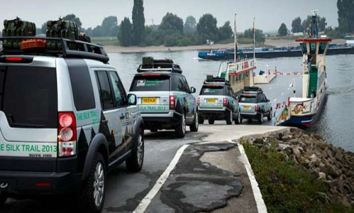 land rover s silk trail 2013 expedition ends in mumbai