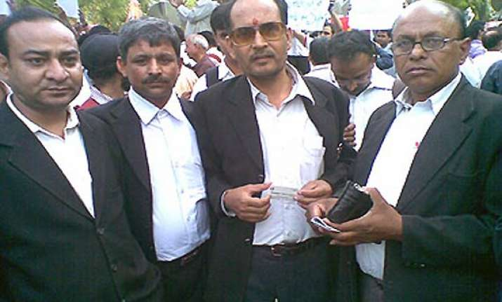 lawyers observe day long strike to protest anna s arrest