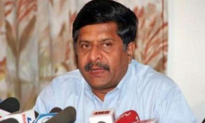 let congress govt communicate its views on lokpal says bjp
