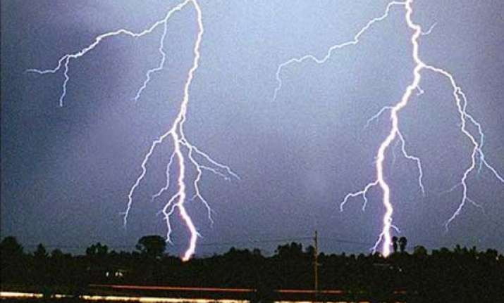 lightning kills five in odisha