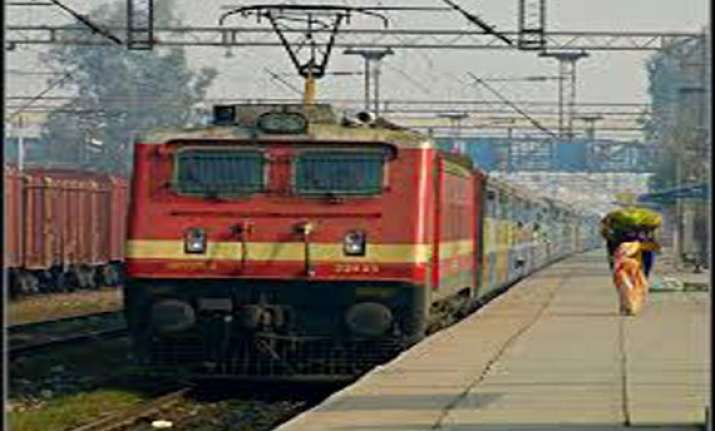 live worms found in railway dinner aboard amrapali express