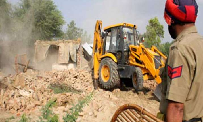 locals protest demolition drive in ludhiana lathi charged
