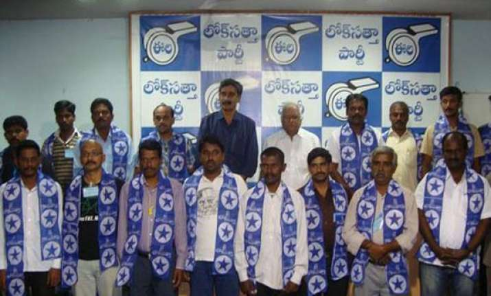 loksatta to go alone in andhra pradesh