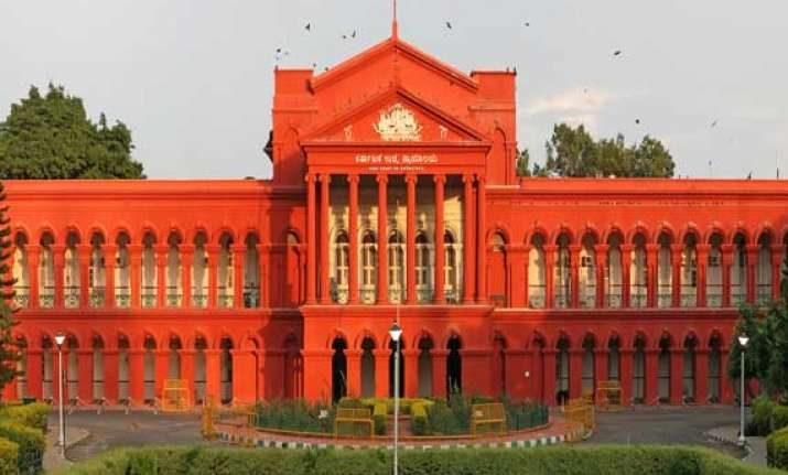 love is worth rs 22 lakh bangalore lecturer gets money from