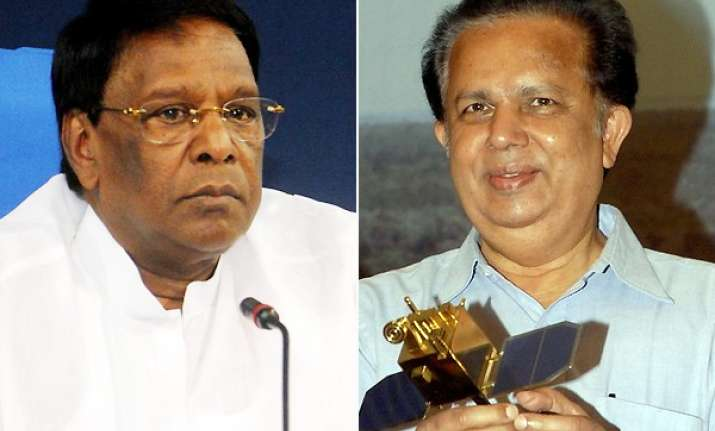 madhavan nair has misled nation says narayanasamy