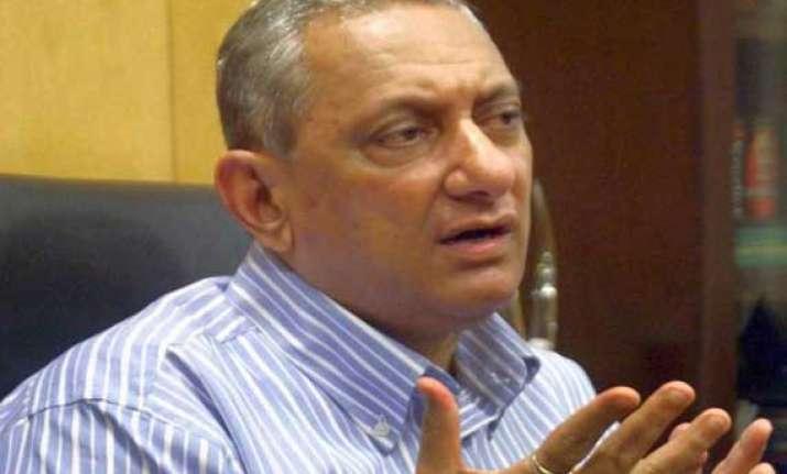 maharashtra cic orders judicial probe against top cop