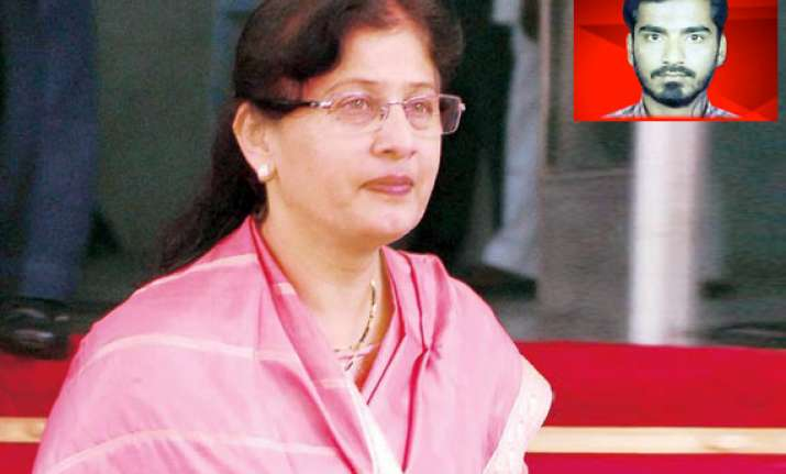 maharashtra minister fauzia khan denies links with abu