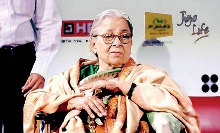 mahasweta calls bengal government fascist mamata resents