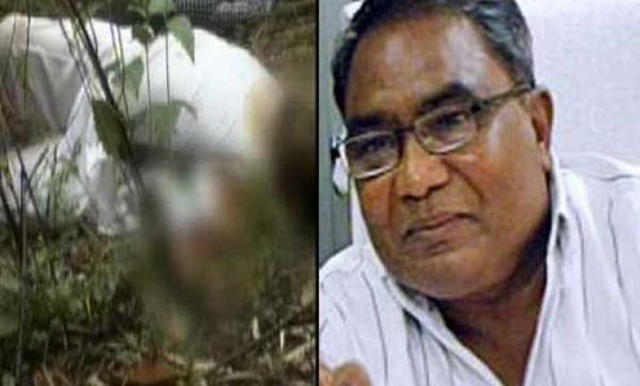 mahendra karma had only six guards with him when maoists