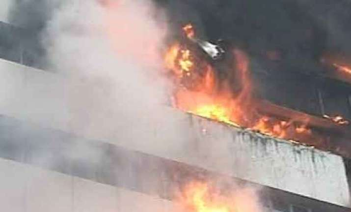 major fire at pune mall