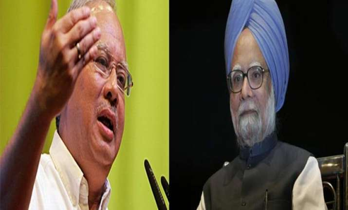 malaysian pm seeks help from manmohan singh over lost plane