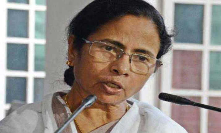 mamata targets congress over saradha scam