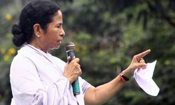 mamata warned against disbanding left union