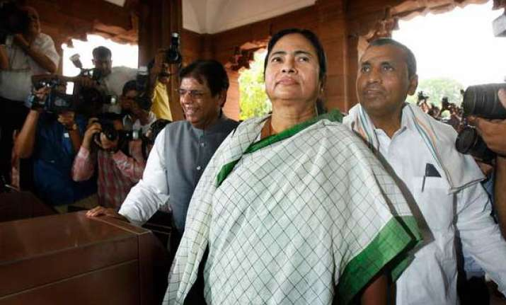 mamata loses cool as mps accuse her of ignoring other states