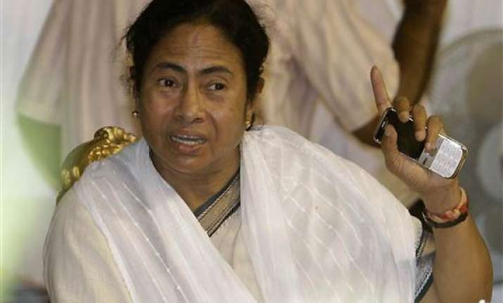 mamata orders probe into phone tapping during lf regime