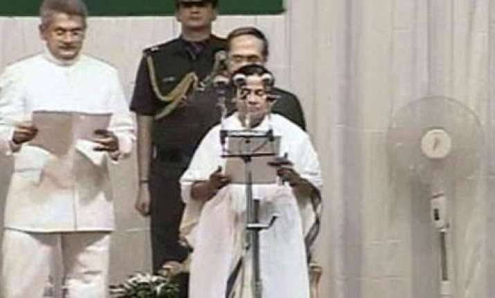 mamata sworn in as bengal s first woman cm