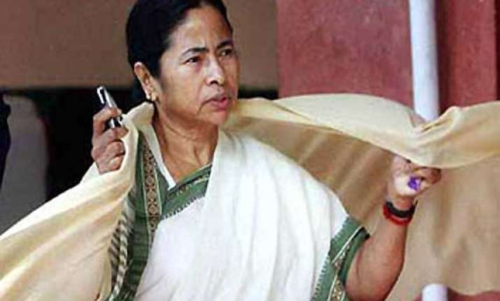 mamata demands complete rollback of petrol price hike