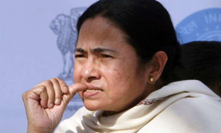 mamata issues 15 day ultimatum to centre