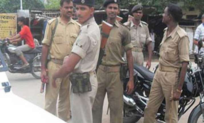 man commits suicide in court campus in bihar