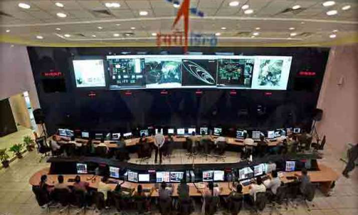 Mangalyaan crosses Moon's orbit, travels 10 lakh km a day towards Mars