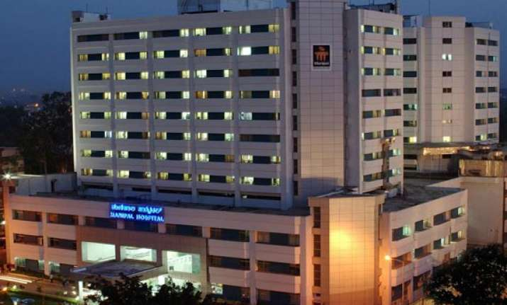 manipal hospital in bangalore to pay rs 5.1 lakhs for