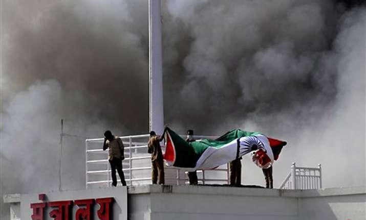 mantralaya bravehearts who lowered tricolour amid blaze
