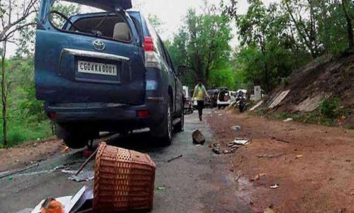 maoist attack mahendra karma s pso succumbs to injuries