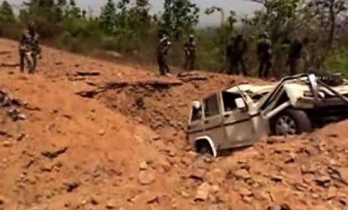 maoists attack civilian jeep 4 injured