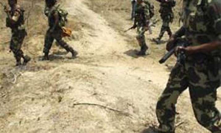 maoists kill crpf officer in chhattisgarh