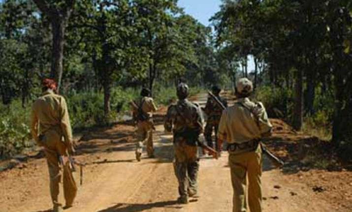 maoists blow up bridge in chhattisgarh